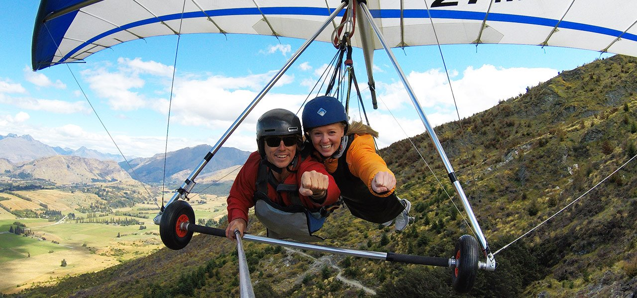 New-Zealand_paragliding